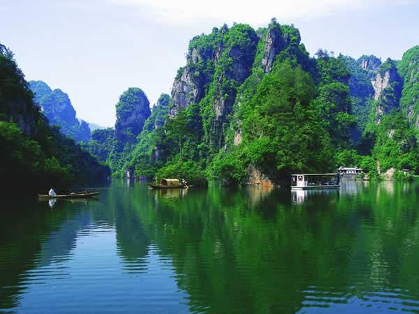 宝峰湖,宝峰湖风景区,人间瑶池宝峰湖旅游景点图片