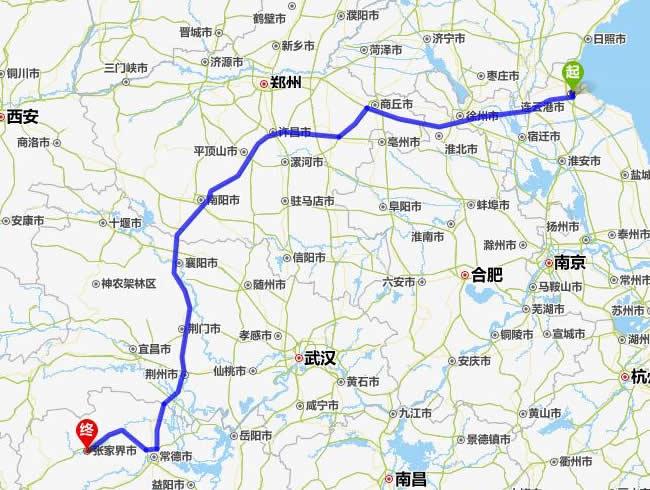 连云港到张家界自驾车旅游线路(距离最短) 张家界到周边旅游景点路线情况: 张家界市至武陵源段属高等级公路,道宽、路况好。 张家界市至吉首市的高速已于2014年开通,汽车将近3小时即可抵吉首市。 吉首市至凤凰古城的高速公路也已与2012年建成通车(吉首到凤凰古城现在40分车程)。 随着各段公路的不断改造,现在张家界及湘西地区的道路条件已大大改善,已不再是以前的公路十八湾了。 张家界自驾游旅游线路推荐: